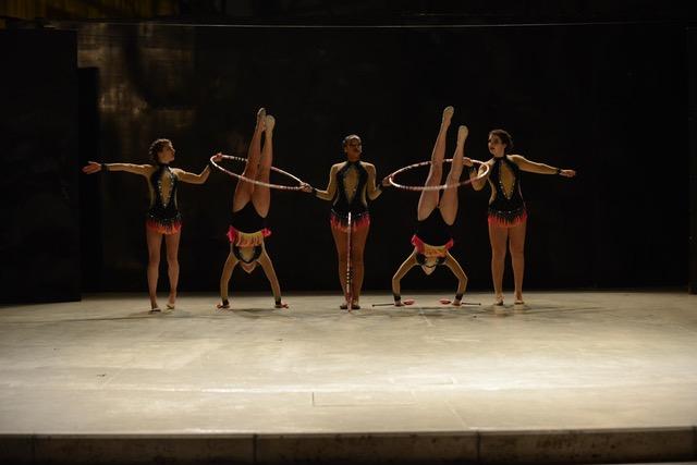 Gruppo ginnastica ritmica avanzato